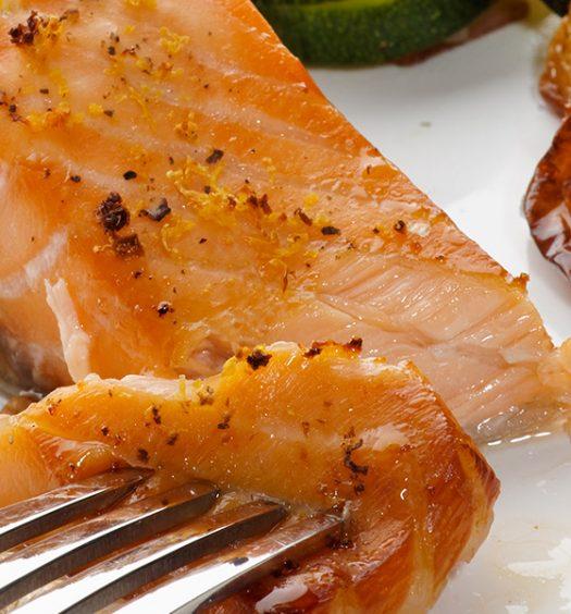 broiled_salmon_asparagus_45131041