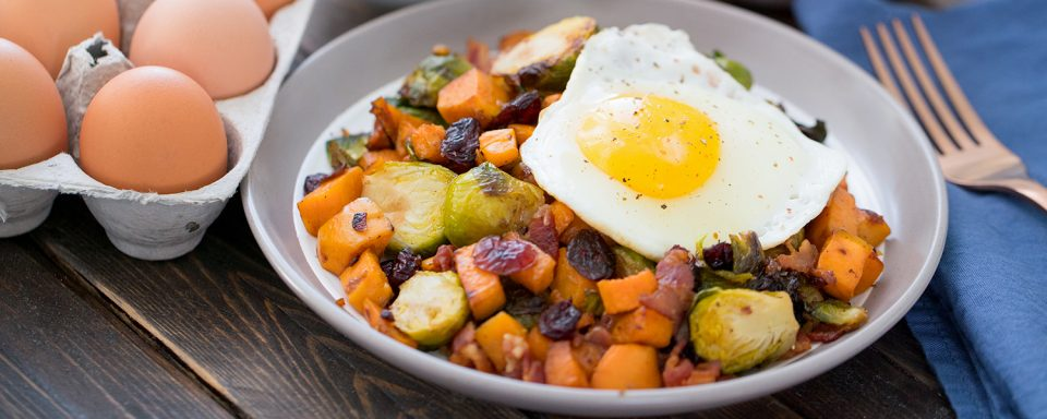 brussel-sprouts-sweet-potato-breakfast-hash-featured-image