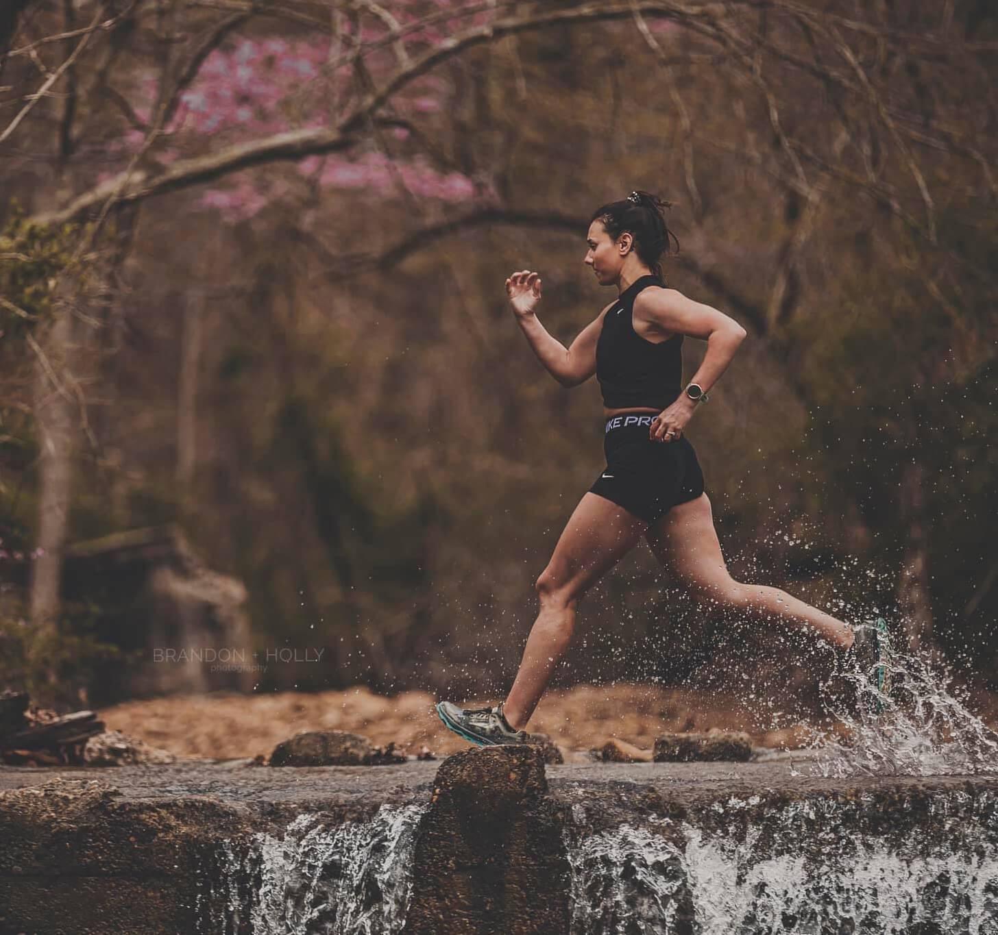 iFIT Member Breanna Maurer does a running class