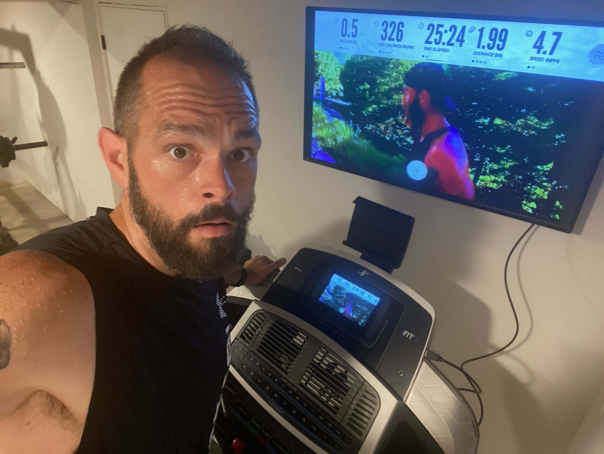 iFIT Member Jason Ash does a running workout