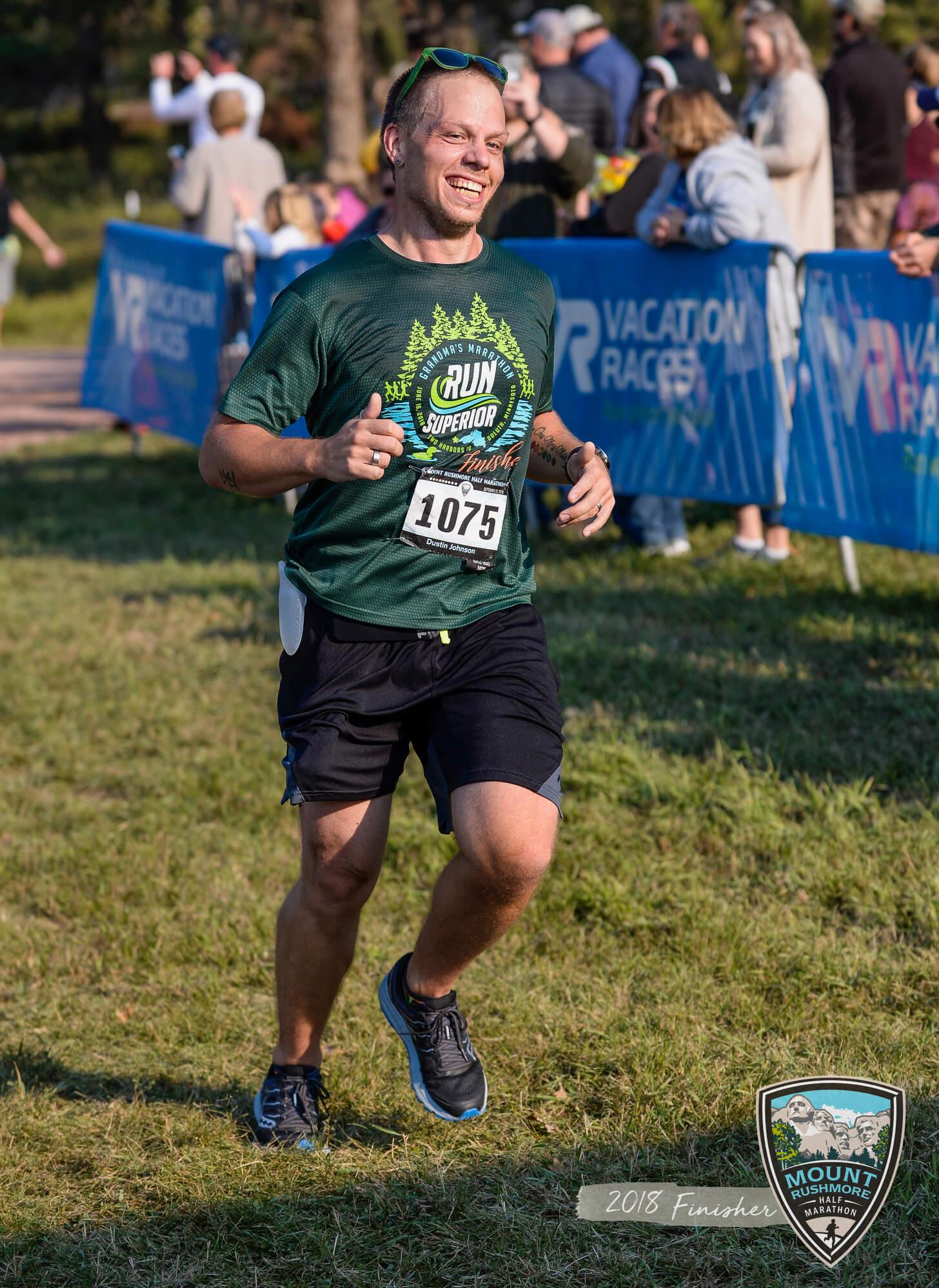 iFIT member Dustin Johnson running